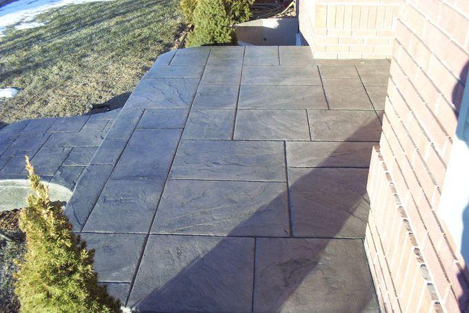 Porch with large ashlar slate pattern